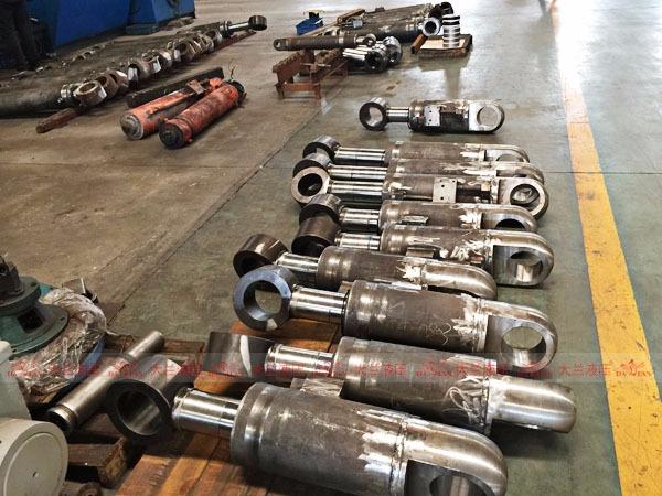 大兰液压油压缸生产车间