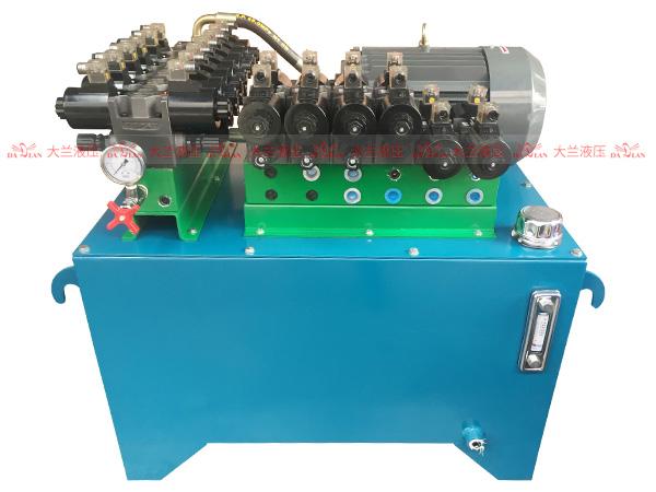 大兰液压卷板机液压系统
